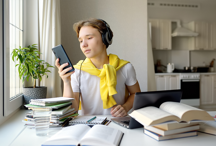 What are the effective ways to avoid distraction while studying?